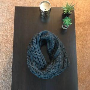 Gap infinity cowl scarf - chunky knit